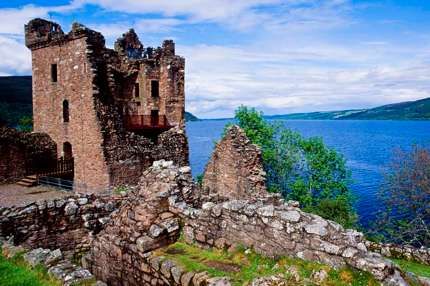Escocia - Think-UK-Scotland-LochNess-UrquhartCastle-116123269-TT copy-430
