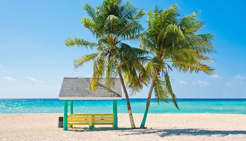 Islas Caimán - Caribbean Beach, Cayman Islands.