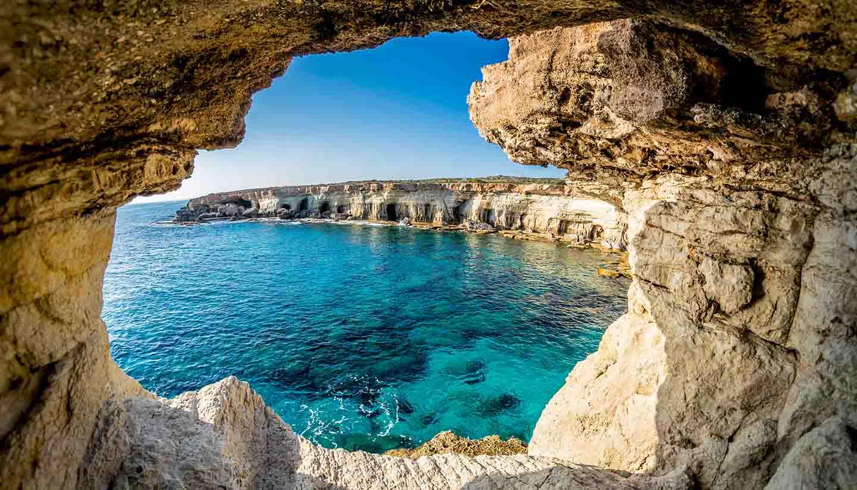Chipre - Sea Caves near Ayia Napa, Cyprus