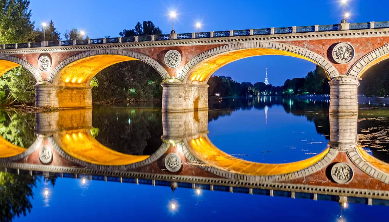 Italia - Ponte Isabella & River Po, Italy