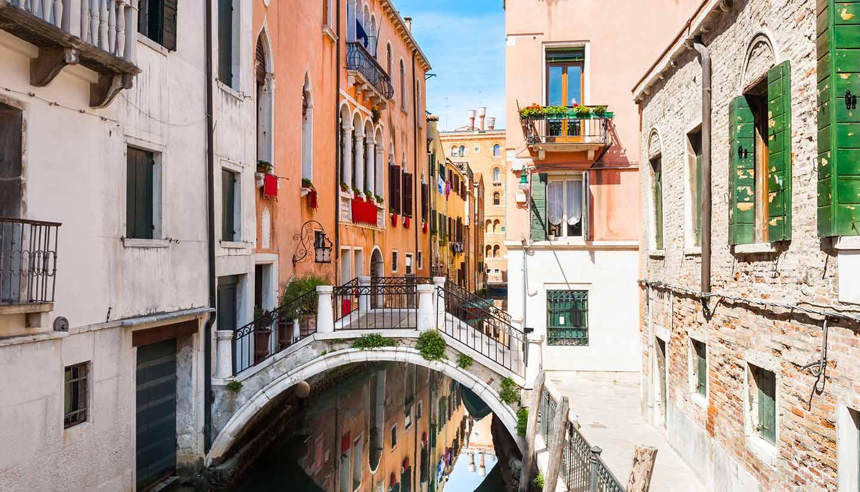 Italia - Scenic Canal in Venice, Italy