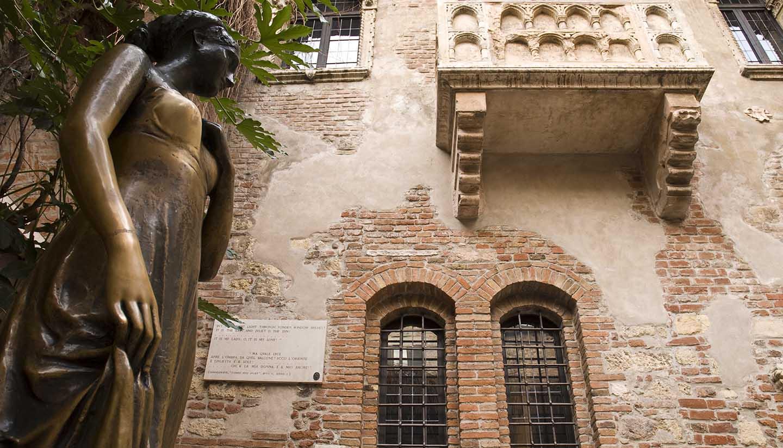 Italia - Juliet Capulet's balcony in Verona, Italy