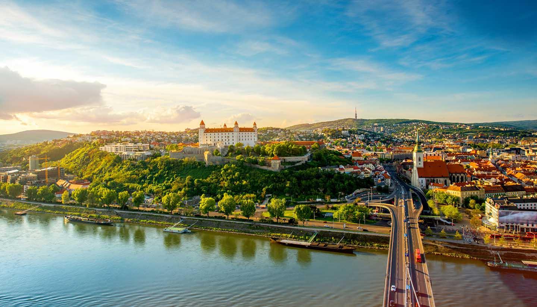 Eslovaquia - Bratislava Cityscape, Slovakia