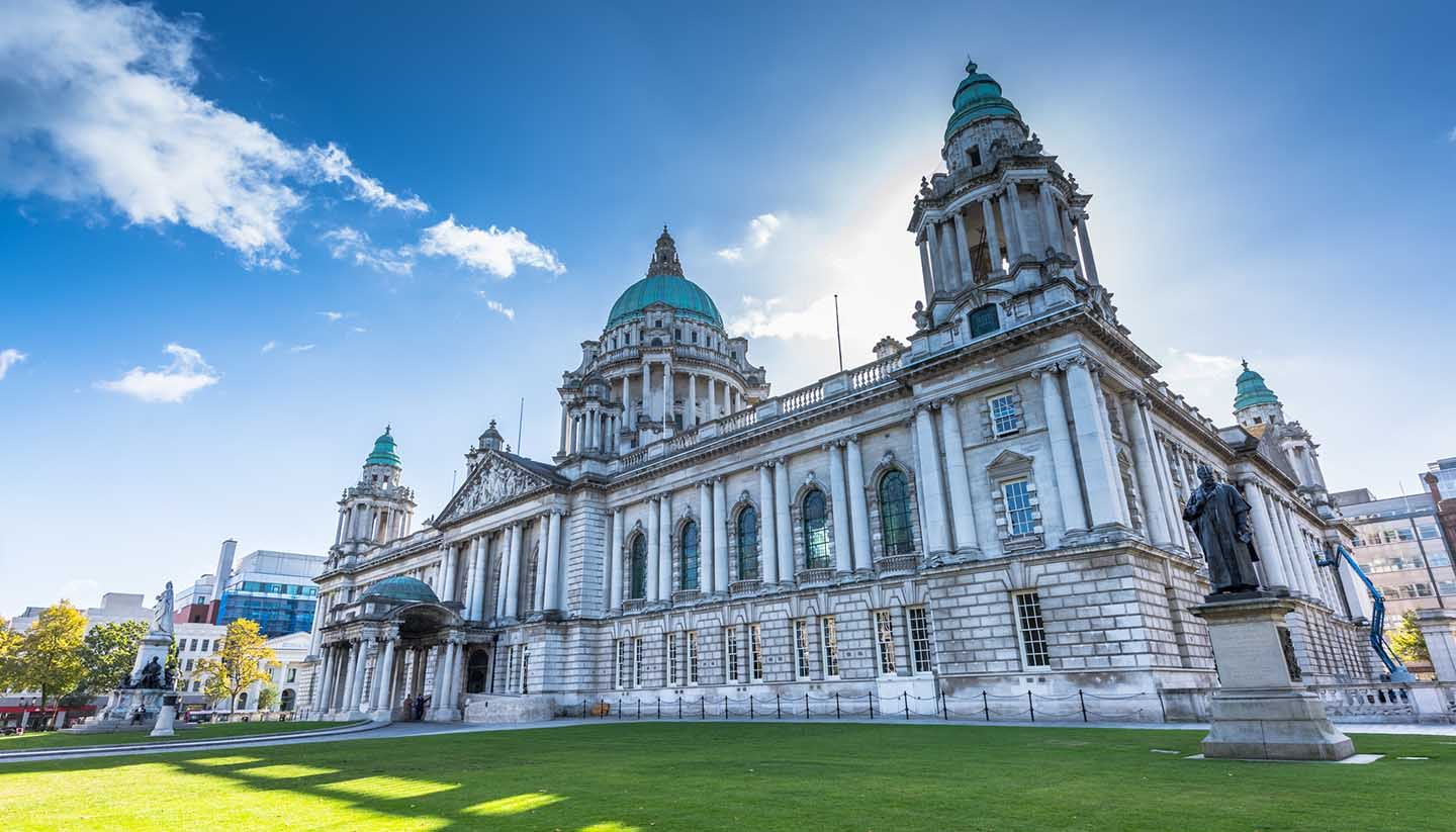 Irlanda del Norte - Belfast's City Hall, North Ireland, UK
