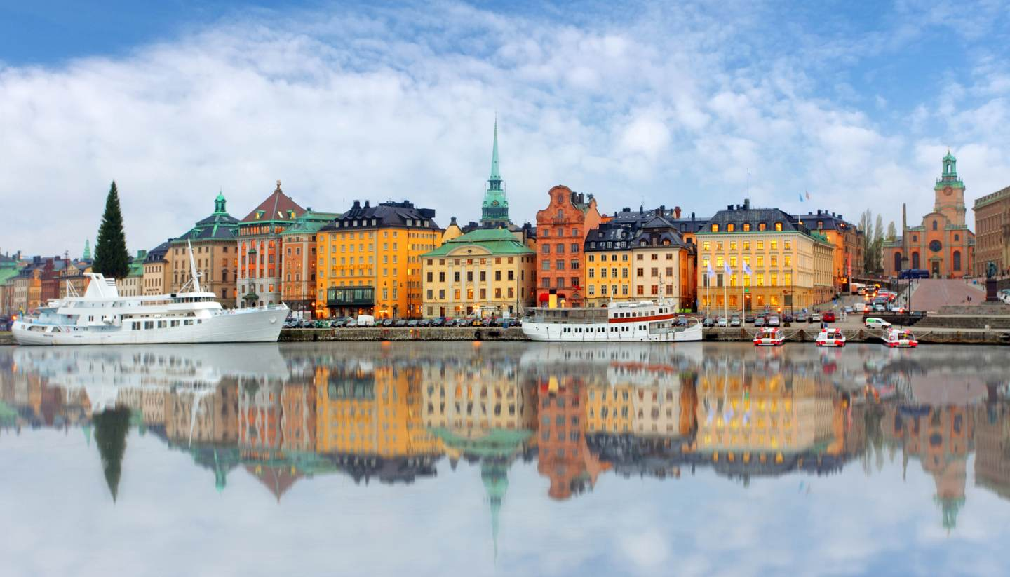 Estocolmo - Panoramic view of Old Town pier, Stockholm