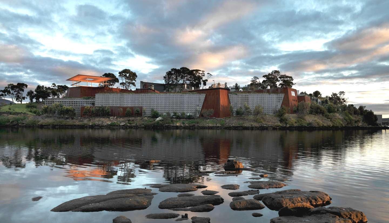 Australia - Oth-UltimateWineriesAustralia-Mona-museum-1440x823